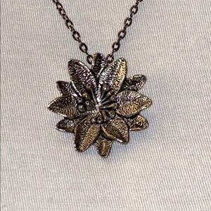 🧚🏻♀️ 5/$40! 🧚🏻♀️ Sunflower necklace